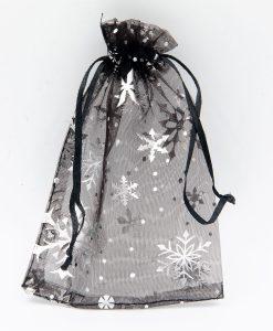 Zwarte organza zakjes met zilveren sneeuwsterren of sneeuwsterren