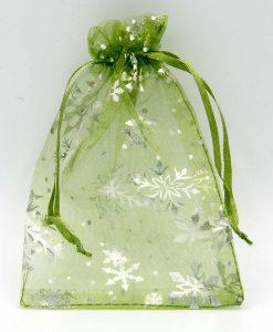 Groene organza zakjes met sneeuwsterren